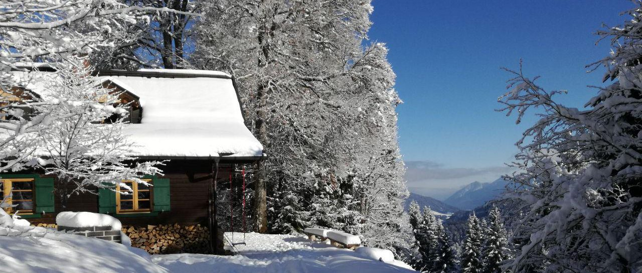 Winter Drehmöser Skihütte des AGVM im Skigebiet Garmisch-Classic
